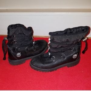 Timberland leather boots. Black. Size 4.5 Excellen